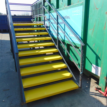 Medium anti slip step covers
